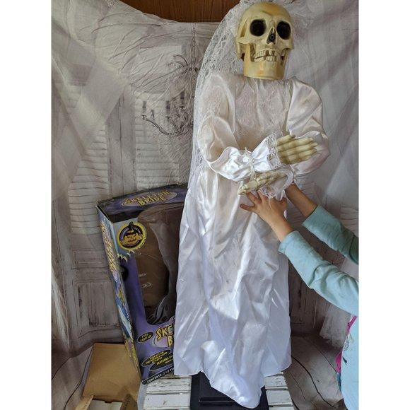 Gemmy 40″ skeleton bride halloween